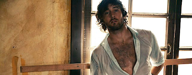 Alex O'Loughlin si prende una pausa da Hawaii Five-0