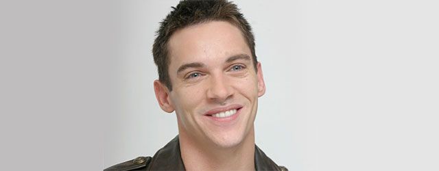 Jonathan Rhys Meyers tenta il suicidio
