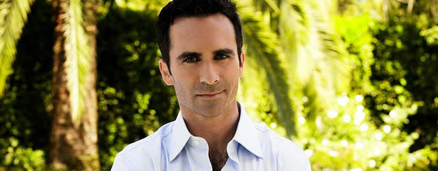 Nestor Carbonell in The Smart One pilot ideato da Ellen DeGeneres