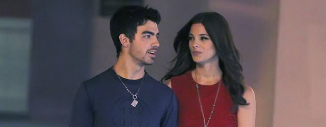 Joe Jonas vuole riconciliarsi con Ashley Greene
