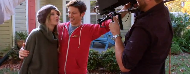 "Zach Gilford nel video ""Ours"" di Taylor Swift"