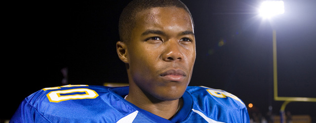 Gaius Charles star di Friday Night Lights in Necessary Roughness