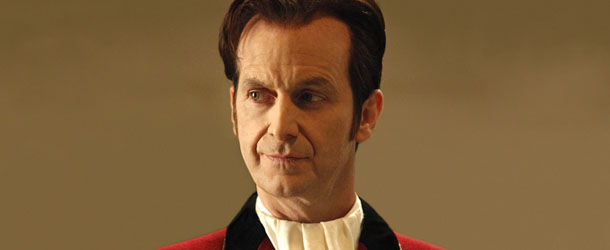 True Blood: Denis O'Hare parla del nuovo amore di Russell Edgington