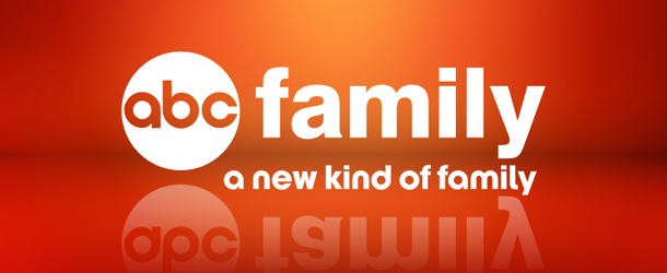 ABC Family: Jamie Lee Curtis torna in tv in un horror drama.