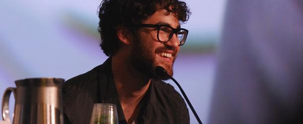 Glee: Darren Criss vorrebbe Peter Gallagher nel ruolo del padre di Blaine