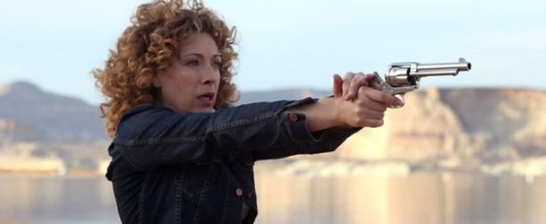 Arrow: Alex Kingston di Doctor Who scritturata per un ruolo ricorrente