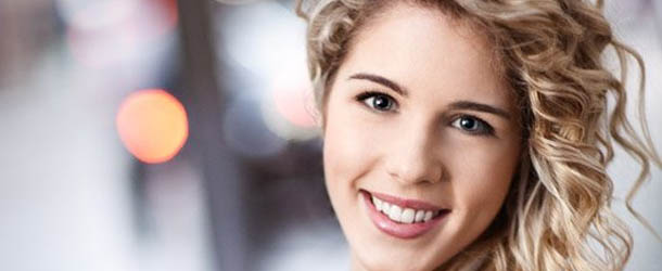 Arrow: Emily Bett Rickards promossa regular nella stagione 2