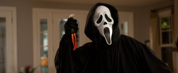 Scream: MTV ordina 10 episodi per la serie tv e lo annuncia sui social media