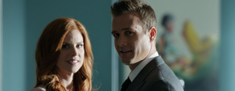 Suits: Aaron Korsh parla del futuro di Harvey e Donna