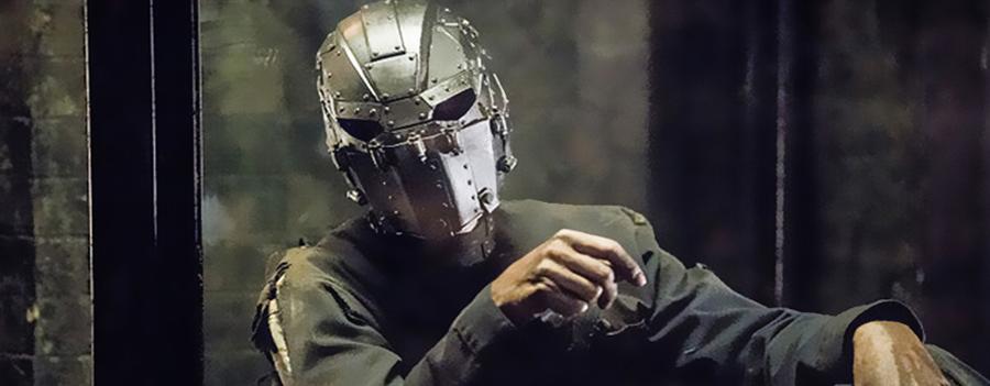 The Flash: Ipotesi su chi si nasconda dietro alla Maschera di Ferro