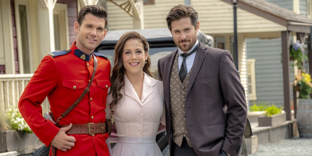 Erin Krakow insieme a Kevin McGarry e Chris McNally
